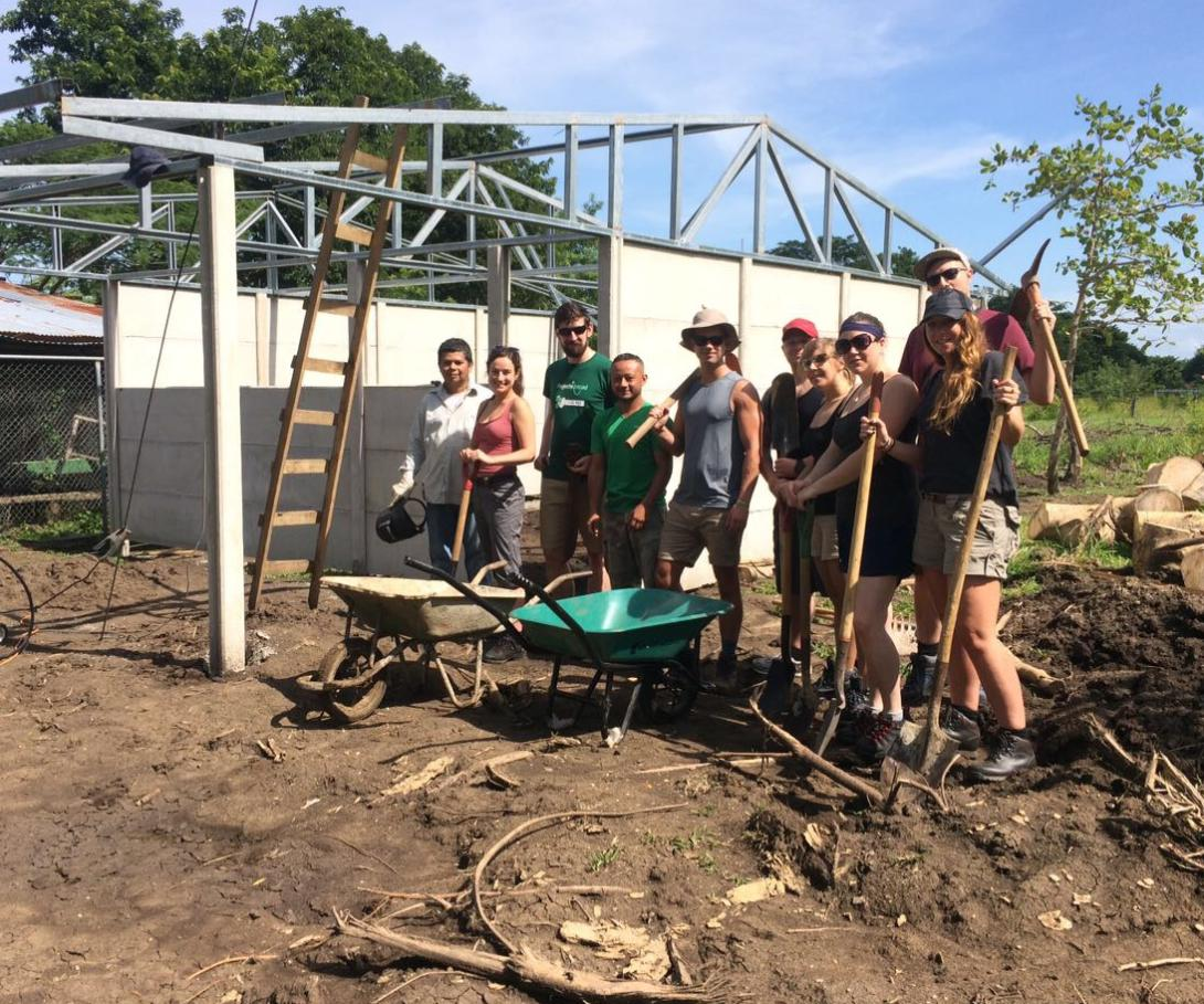 A corporate group on a bespoke volunteer trip at their building site in Costa Rica.